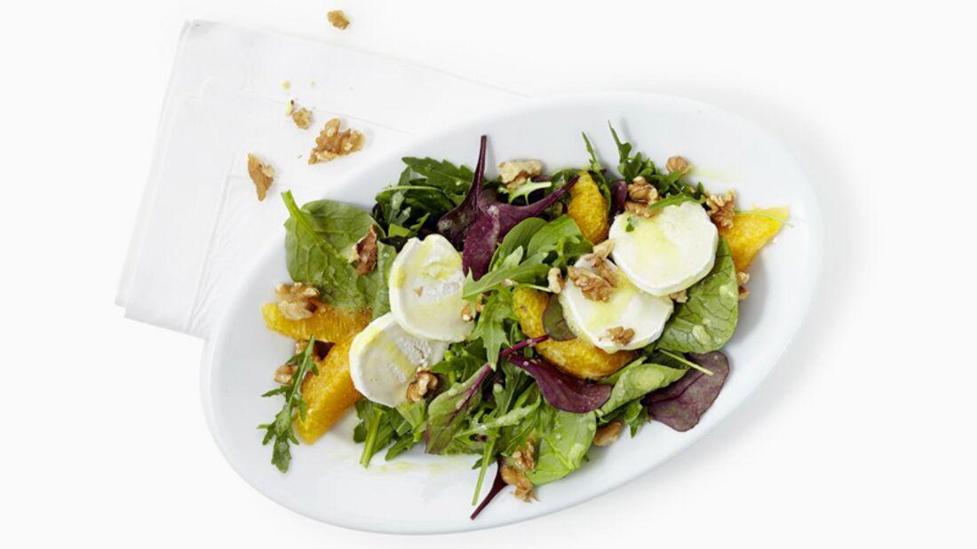 Salat mit warmen Ziegenkäse