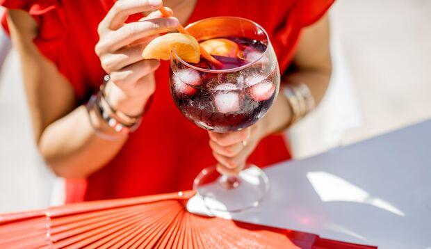Sangria passt perfekt zu lauen Sommerabenden und der nächsten Grillparty
