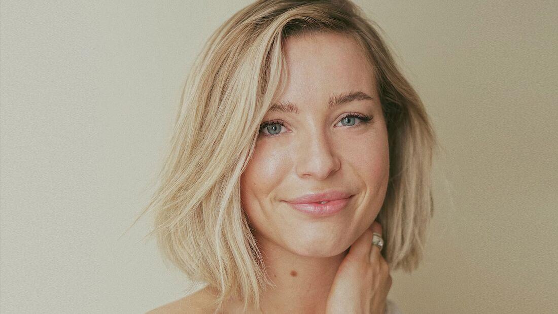 Schöne blonde Haare mit Silber-Shampoo