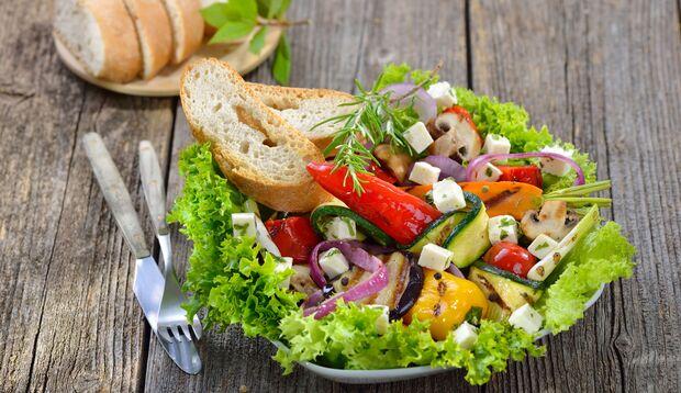 Sie brauchen Brot zum Salat zum Sattessen? Dann stimmt etwas mit Ihrem Salat nicht