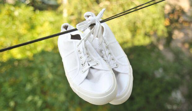 Sneakers richtig trocknen