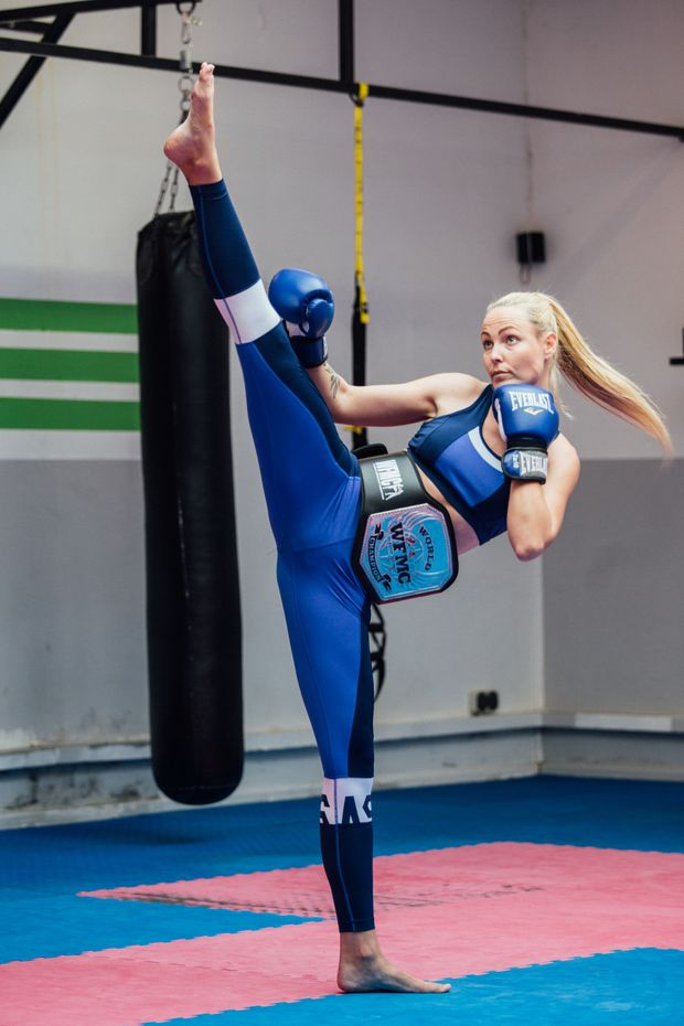 So kickt eine Weltmeisterin