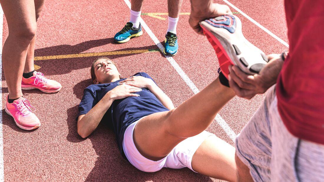 Sportliche Frauen sollten bei der Wahl ihrer Krankenkasse auf Zusatzangebote für Sportler achten