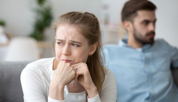 Starker, plötzlicher Liebeskummer kann das Broken-Heart-Syndrom auslösen.