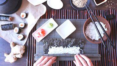 Sushi machen geht schnell und es liefert nur wenige Kalorien