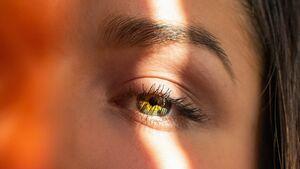 Tränensäcke: Das hilft bei geschwollenen Augen