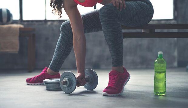 Trainung und eine ausgewogene Ernährung für mehr Muskeln
