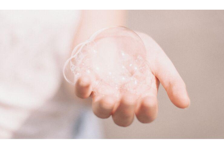 Trockene Hände vom Desinifizieren und Waschen | WOMENS HEALTH