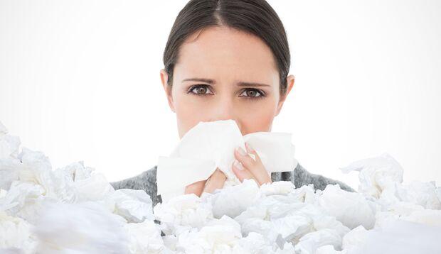 Während der Heuschnupfen-Saison fühlen sich Allergiker häufig krank und erschöpft