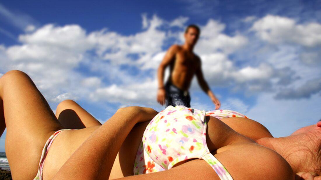 Warum spielen Männer mit Brüsten?