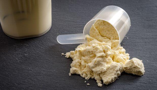 Whey Proteinpulver hilft beim Abnehmen