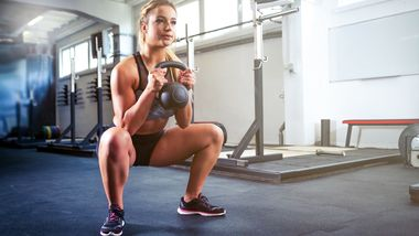 Workout mit Kettlebell