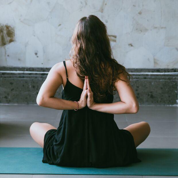 Yoga Zuhause ist genauso effektiv wie in der Gruppe