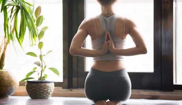 Yoga zu üben ist gut für Körper und Geist